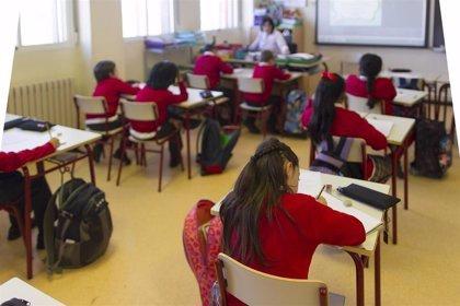El Congreso convalida el decreto-ley que permite a alumnos promocionar con suspensos y a contratar docentes sin máster
