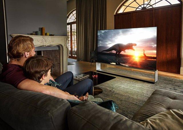 Un televisor poco eficiente puede consumir hasta 17 veces más energía que un fri