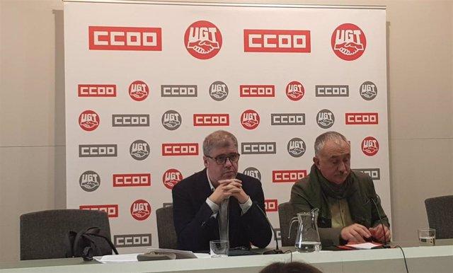 El secretario general de CC.OO., Unai Sordo, y el de UGT, Pepe Álvarez
