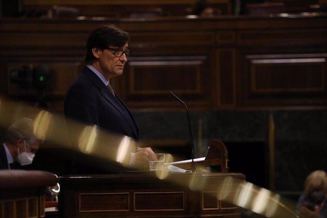 El ministro de Sanidad, Salvador Illa, interviene en una sesión plenaria en el Congreso de los Diputados, en Madrid, (España), a 15 de octubre de 2020. Esta sesión se centrará, entre otras cuestiones, en explicar el estado de alarma decretado en Madrid po