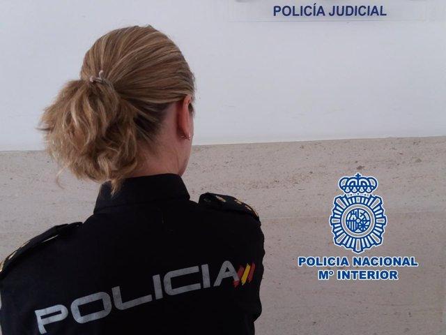 Agente de la Policía Nacional de Granada