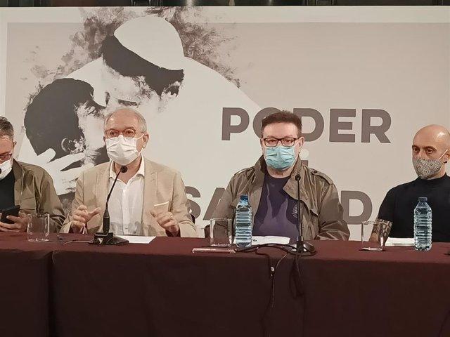 De izquierda a derecha, el director del IVC, Abel Guarinos, el dramaturgo  Manuel Molins, y el director Paco Azorín en la presentación de 'Poder i santedat (Els Àngels de Sodoma)',