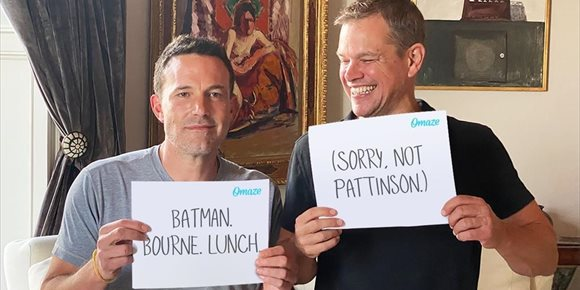 5. Matt Damon se ríe de Ben Affleck por perder el papel de Batman ante Robert Pattinson