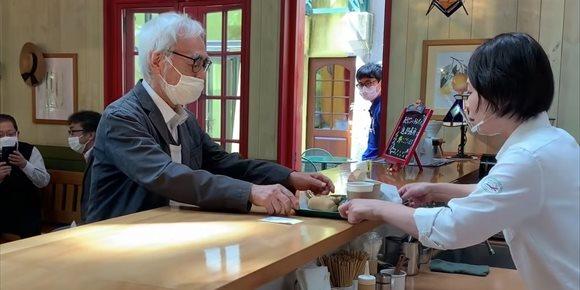 4. Visita sorpresa de Miyazaki para celebrar la reapertura del Studio Ghibli Café