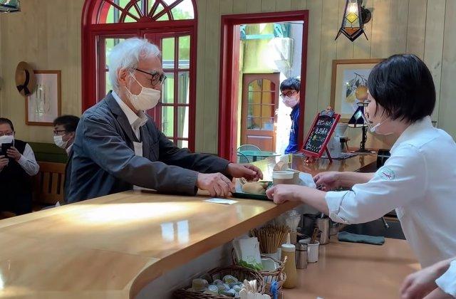 Visita sorpresa de Miyazaki para celebrar la reapertura del Studio Ghibli Café