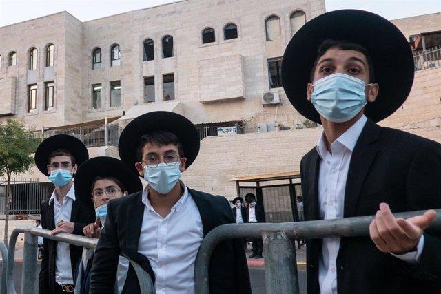 Coronavirus.- Israel prolonga la cuarentena en las zonas con más contagios tras