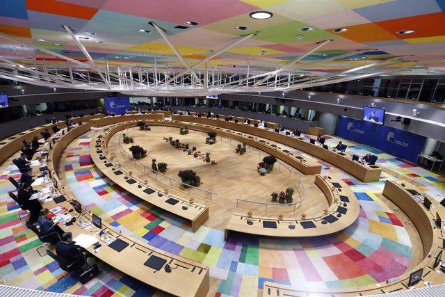 Cumbre UE.- La UE quiere abordar con África la migración ilegal y combatir las m