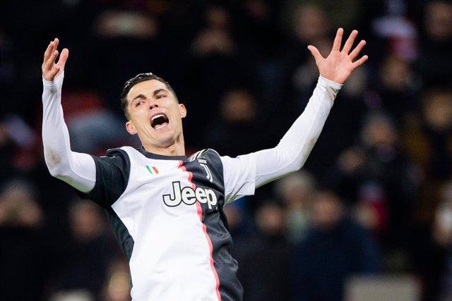 """Fútbol.- El ministro de Deportes italiano pide a Cristiano que no sea """"mentiroso"""