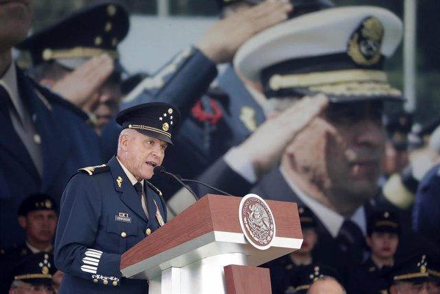 AMP3.- México.- El exministro de Defensa de México Salvador Cienfuegos detenido