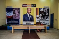 Cartel durante el referéndum en Guinea