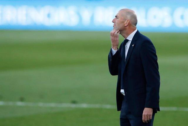 """Fútbol.- Zidane: """"Si nos meten tres goles en el primer tiempo no hay nada que de"""