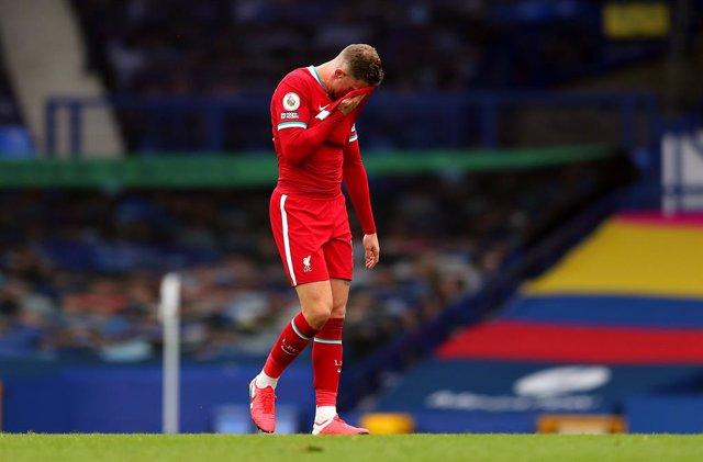 Fútbol/Premier.- (Crónica) El Everton guarda el liderato en un gran derbi contra