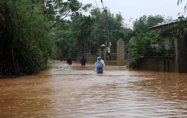 Ascienden a 49 los muertos por las tormentas e inundaciones en Vietnam