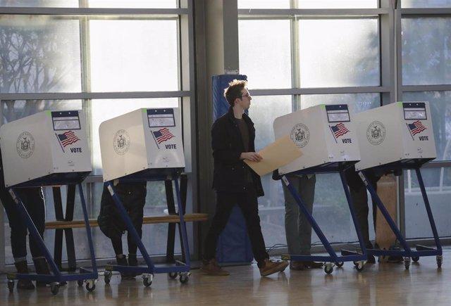 Colegio electoral en Nueva York en las elecciones de 2016