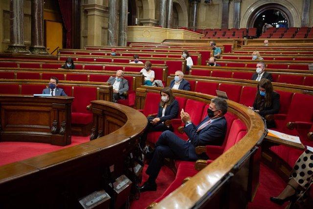 Vista general d'un ple celebrat al Parlament de Catalunya.