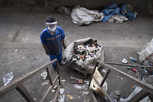 Coronavirus.- Irán registra casi 3.900 nuevos casos de coronavirus y 252 falleci