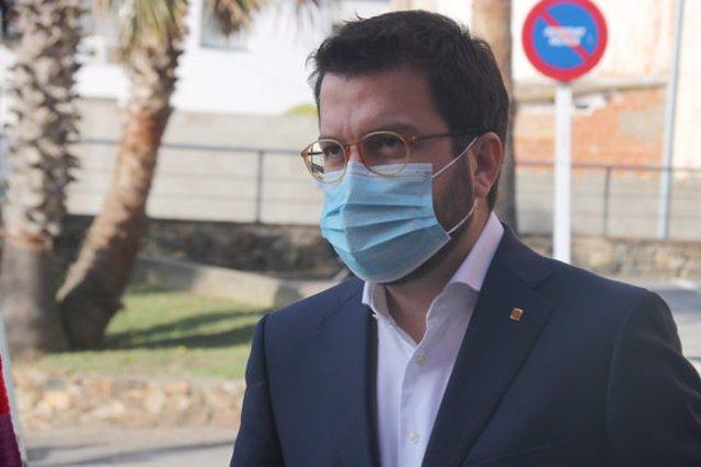 Primer pla del vicepresident del Govern, Pere Aragonès, durant la seva intervenció aquest diumenge 18 d'octubre a Palamós. (Horitzontal)