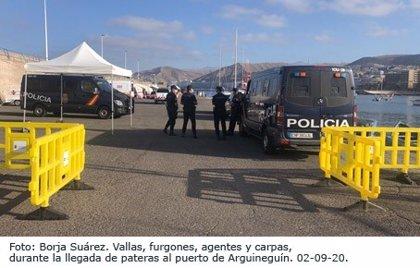 Llegan cinco pateras con más de 111 migrantes a diferentes puntos de Canarias en las últimas horas