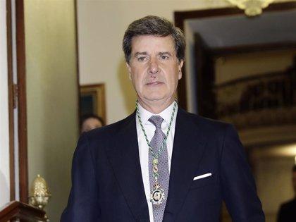 Cayetano Martínez de Irujo vuelve a sacar su peor cara con la prensa