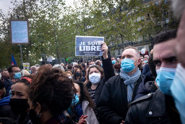 Manifestació contra el terrorisme a París