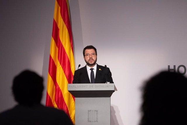 El vicepresident de la Generalitat en funcions de president, Pere Aragonès, intervé en l'acte homenatge a l'expresident de la Generalitat de Catalunya, Lluís Companys, pel 80 aniversari del seu afusellament organitzat pel Parlament i la Generali