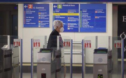 Las empresas de transporte de viajeros piden al Gobierno no reducir el aforo en autobuses, metros y tranvías