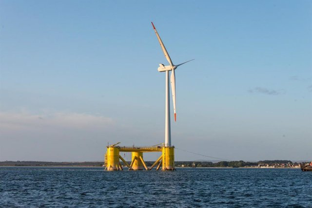 Parque eólico marino flotante Kincardine situado en Aberdeen (Escocia) y desarrollado por Cobra (ACS)