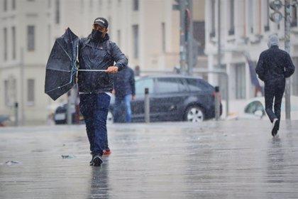 La borrasca 'Bárbara' dejará lluvias intensas, hasta 200 l/m2 y vientos huracanados al menos hasta el jueves