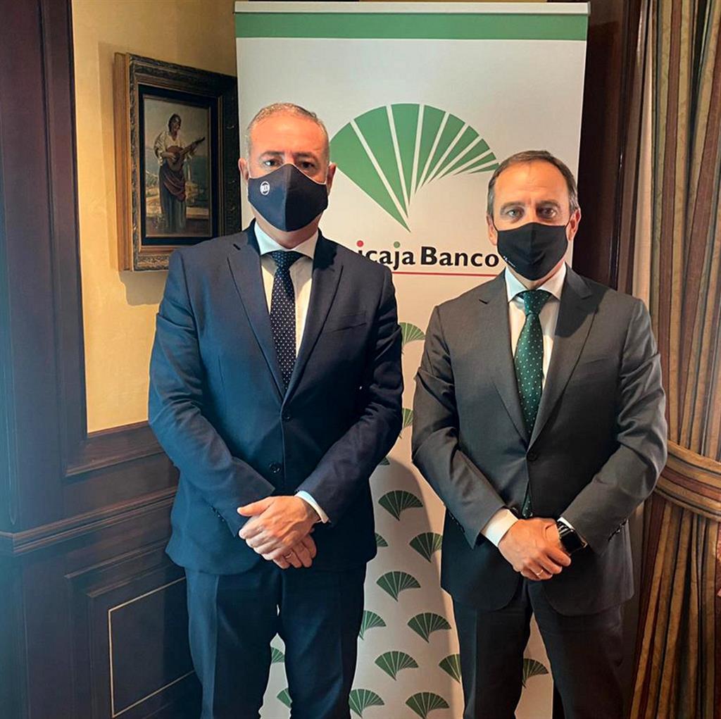 Unicaja Banco renueva el acuerdo con el Colegio de Economistas de Málaga 3