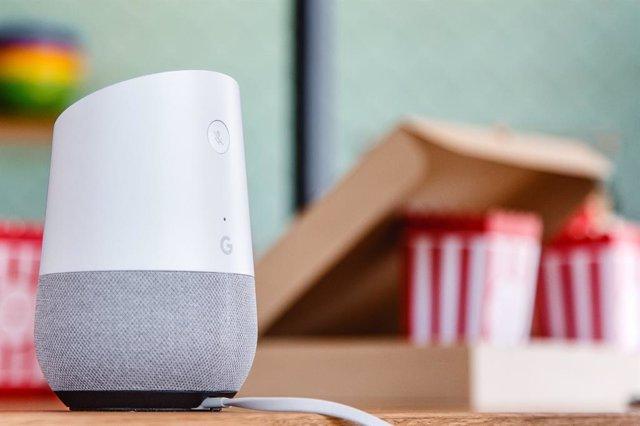 El Asistente de Google permitirá reproducir 'podcasts' de servicios de terceros
