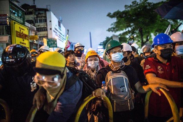 Manifestants prodemocràcia en una protesta contra el Govern a Bangkok