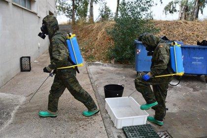 El Ejército de Tierra desinfecta una residencia de mayores y un centro socio-sanitario de Badajoz