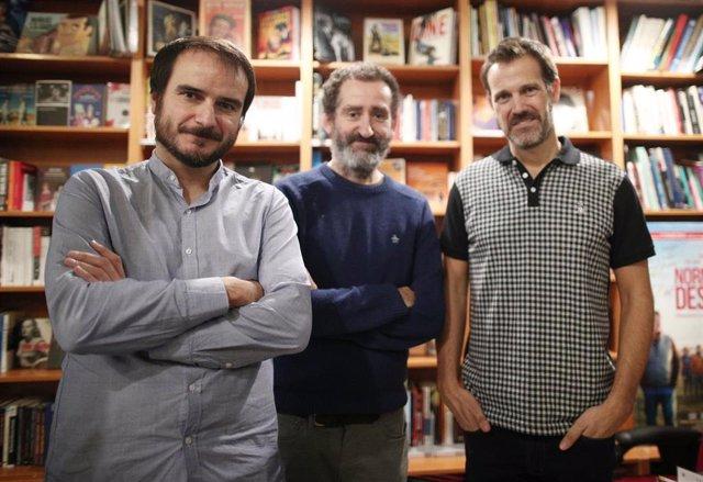 Aitor Arregi y Jon Garaño y  José Mari Goenaga, directores de `La Trinchera Infinita