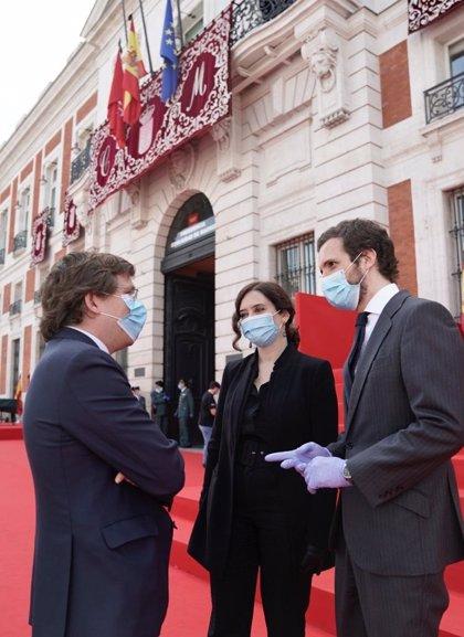 """Casado dice que el Gobierno de Madrid es """"para cuatro años"""" y quita hierro a las desavenencias entre Ayuso y Aguado"""