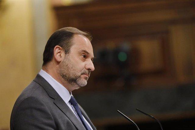 El ministro de Transportes y Movilidad, y 'número dos' del PSOE, José Luis Ábalos, en el Congreso