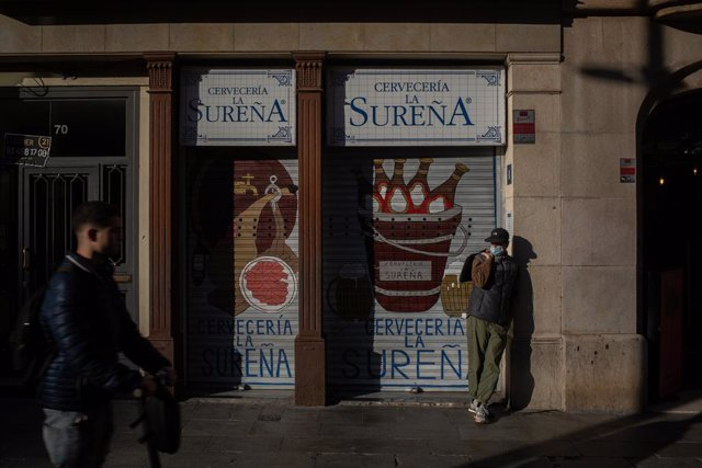 Cerveseria tancada després de l'entrada en vigor les noves restriccions (Arxiu).