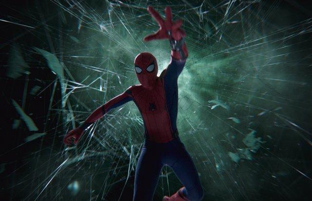 Peter Parker en apuros en Spider-Man: Lejos de casa
