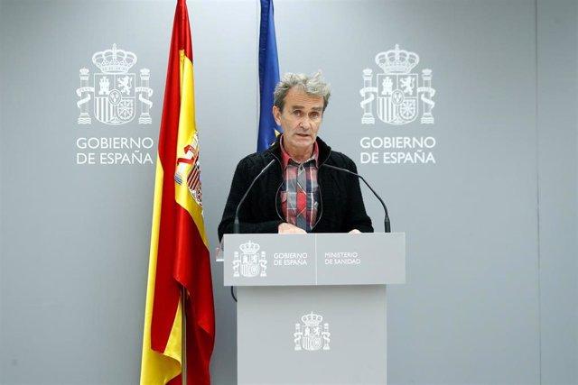 El director del Centro de Coordinación de Alertas y Emergencias Sanitarias (CCAES), Fernando Simón, comparece en rueda de prensa en el Ministerio de Sanidad para informar de la evolución de la pandemia, en Madrid (España), a 19 de octubre de 2020.