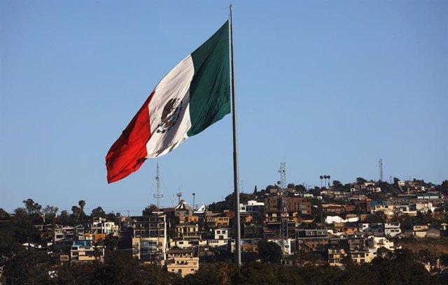 Imagen de archivo de la bandera de México.