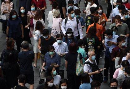 China suma 19 casos importados, mientras Hong Kong discute como imponer la prueba a sus ciudadanos
