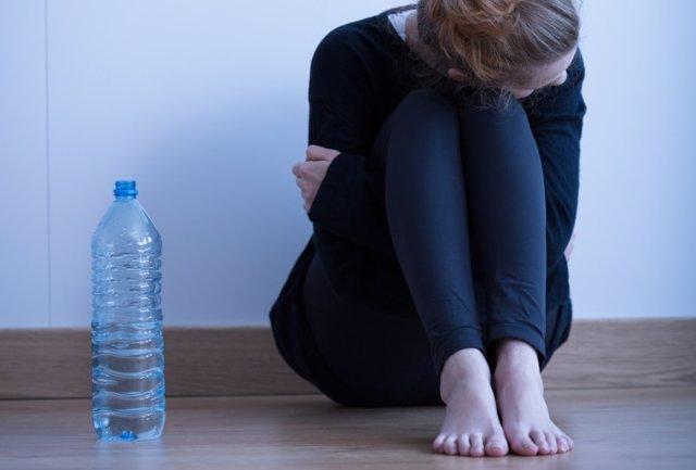 Las dietas ricas en calorías para pacientes con anorexia nerviosa acortan la est