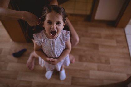 Qué hacer y qué no hacer ante el enfado de un niño
