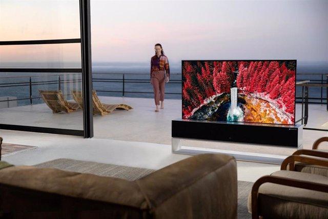 Televisor enrollable LG SIGNATURE OLED R