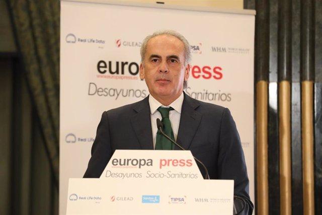 El consejero de Sanidad de la Comunidad de Madrid, Enrique Ruiz Escudero, interviene en un Desayuno Socio-Sanitario de Europa Press, en Madrid (España), a 20 de octubre de 2020.