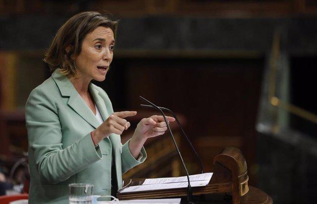 La portavoz del Partido Popular en el Congreso de los Diputados, Cuca Gamarra, interviene en una sesión plenaria en el Congreso de los Diputados, en Madrid, (España), a 15 de octubre de 2020. Esta sesión se centrará, entre otras cuestiones, en explicar el