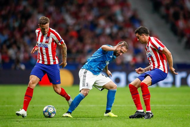 Fútbol/Champions.- Saúl Ñíguez y Giménez, fuera de la lista del Atlético para Mú