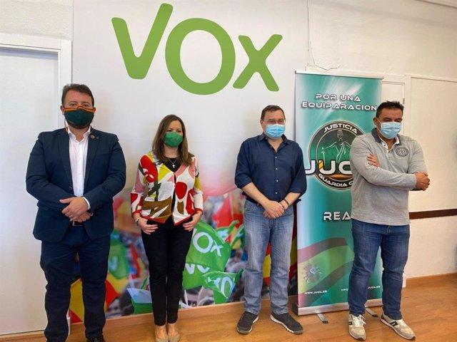 Carlos Zambrano y Ángela Mulas con representantes de Jucil y Jusapol