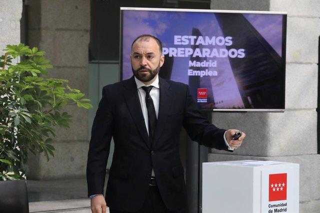 El consejero de Economía, Empleo y Competitividad, Manuel Giménez. Archivo.