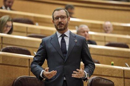 """El PP dice que Sánchez e Iglesias se """"están pegando"""" por salir a la tribuna a """"lucirse"""" con la moción de Vox"""