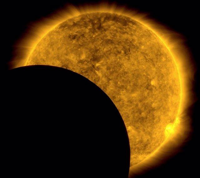 La Luna se cuela en la observación del Sol